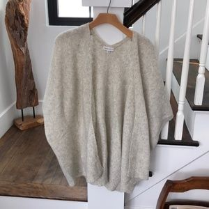 Aritzia Community Iconic Sweater Cape S/M